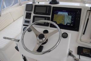 48' Ocean Yachts  2003 Recently new Simrad screens
