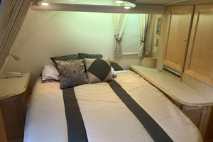 52' Bluewater Yachts Flybridge 2005 MasterBerth