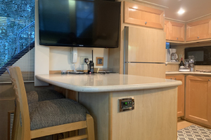 52' Bluewater Yachts Flybridge 2005 BreakfastBar