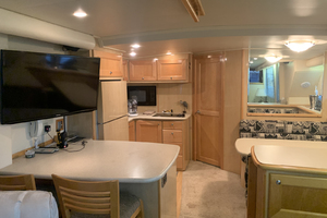 52' Bluewater Yachts Flybridge 2005 Galley