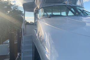 52' Bluewater Yachts Flybridge 2005  Looking aft to starboard