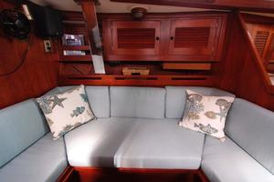 Tartan 372 Starboard