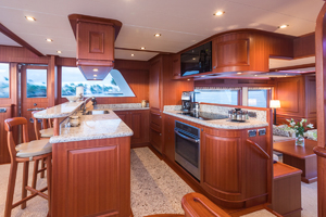 65' Hampton Endurance 658 Lrc 2017 Galley