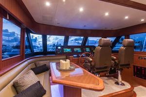65' Hampton Endurance 658 Lrc 2017 Pilothouse and Cruising Settee
