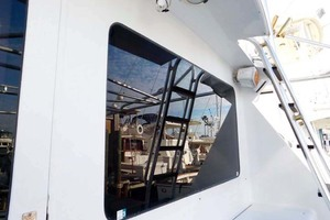 52' Hatteras Convertible 1986 AftWindow