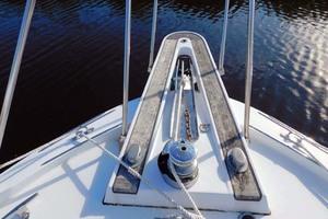 52' Hatteras Convertible 1986 Windlass