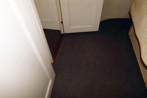 52' Hatteras Convertible 1986 Carpeting