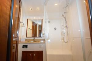 is a Albemarle 410 Convertible Yacht For Sale--39