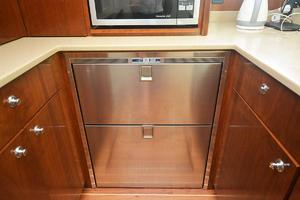 is a Albemarle 410 Convertible Yacht For Sale--34