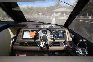55' Prestige 550 2015