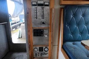 46' Custom Bram Mfg/fh Marine 1989 AC/DC Electrical Panel