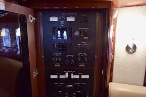 61' Sea Ray Sundancer 610 2012 BreakerPanelOnPORTSide