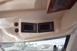 61' Sea Ray Sundancer 610 2012 ElectronicsAboveHelm