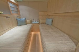 103' Johnson Raised Pilothouse 2008 Midship Twin Cabin