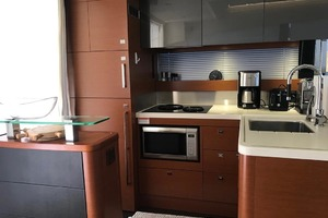 55' Prestige 550 2015 Galley