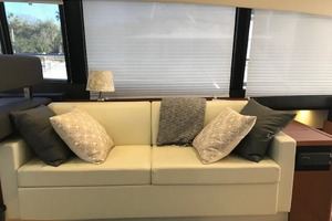 55' Prestige 550 2015 Salon Sofa
