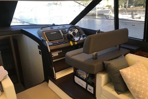 55' Prestige 550 2015 Lower Helm 1