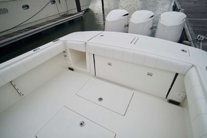 is a Regulator 34 Yacht For Sale in Orange Beach-Cockpit And Transom-20