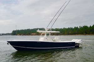 is a Regulator 34 Yacht For Sale in Orange Beach-Port-3