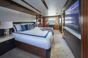 M90 is a Hatteras M90 Yacht For Sale in Seattle--2