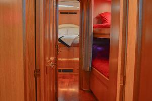 53' Sculley  2008 Corridor1