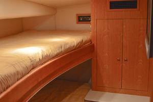 53' Sculley  2008 PortGuestCabin