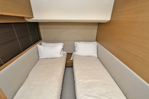52' Princess 52 Flybridge  2016 GuestStateroom