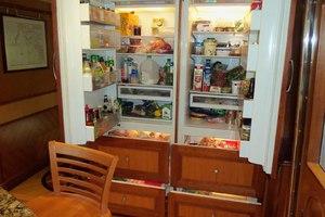 87' President Tri Deck W/fb 2007 GalleyRefrigerator