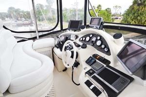 46' Azimut 46 Motor Yacht 2003 HelmSeating