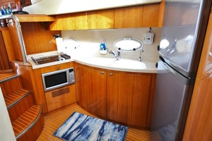 46' Azimut 46 Motor Yacht 2003 Galley