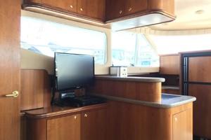 44' Cruisers 4450 Express 2001 44CruisersSalonTV