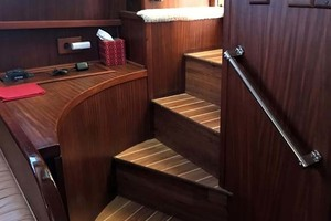 53' Hatteras Motor Yacht Classic 1984 Stairs