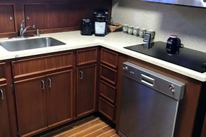 53' Hatteras Motor Yacht Classic 1984 Galley