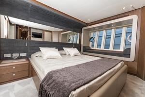 80' Ferretti Yachts 800 2016