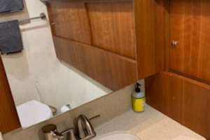 54' Ocean Yachts Convertible 2009 Vanity