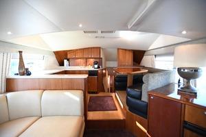 54' Ocean Yachts Convertible 2009 Salonforward