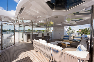 Sun Deck, movable seating