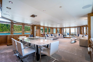 164' Westport 50-meter 2009 DiningSalonaftview
