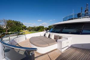 Portugese Bridge Lounge