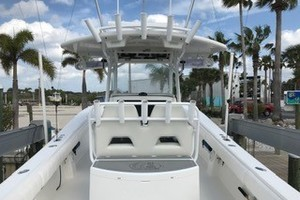 No Name is a Regulator 34CC Yacht For Sale in Daytona Beach--8