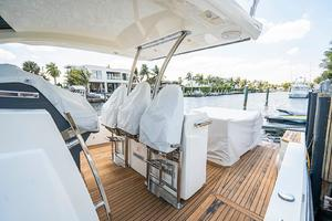 Azimut 36 - Veloce - Covered Helm Seating