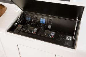 Viking 48 - Electronics