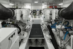 Viking 48 - Engine Room