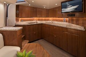 Salon/Galley