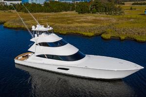 Viking 92 - Starboard Profile
