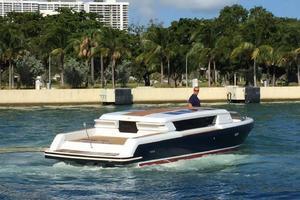 Royal Denship 29 - Royal Limo - Starboard Profile