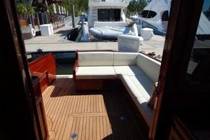 40' Windsor Craft By Vicem Yacht 40' Hardtop 2009 Cockpit