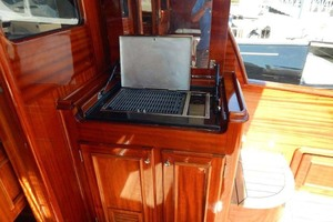 40' Windsor Craft By Vicem Yacht 40' Hardtop 2009 Grill
