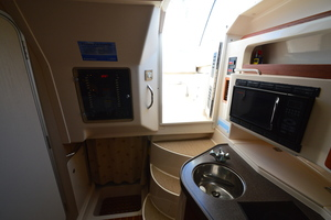 Rock N Rob is a Grady-White 330 Express Yacht For Sale in Atlantic Beach--32