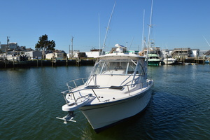 Rock N Rob is a Grady-White 330 Express Yacht For Sale in Atlantic Beach--49